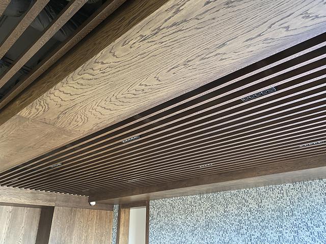 реечный потолок подвесные потолки